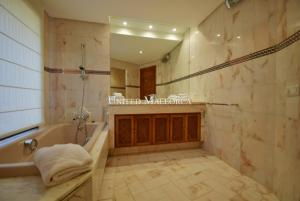 08 Bathroom en suite