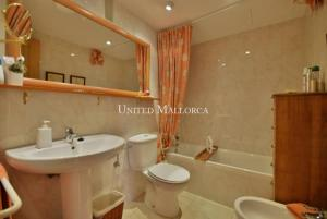 101198_Master_bathroom_en_suite