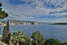 Mediterranean villa with sea access in Cala Vinyas